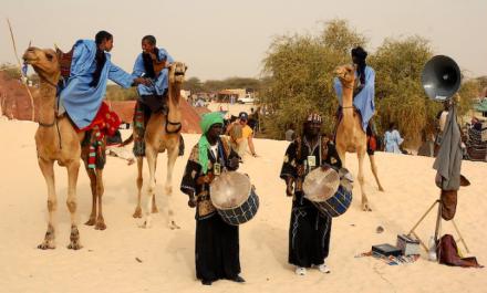 Festival au desert Horguere camels drummers