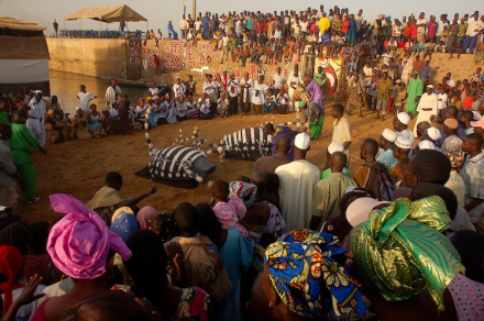 Festival on the Niger crowd